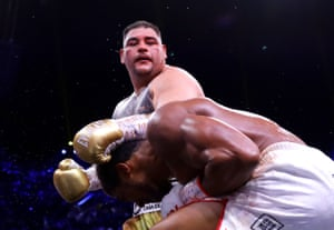 Ruiz Jr gets through Joshua's guard.