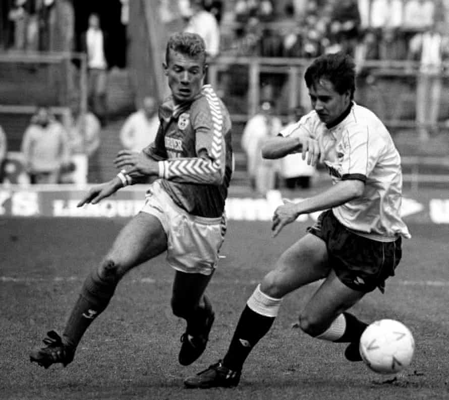 Alan Shearer in action for Southampton against Derby County in the 1987-88 season.