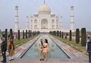 The Amazon founder, Jeff Bezos, and his partner, Lauren Sánchez, at the Taj Mahal in January 2020