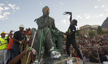 A statue of Cecil Rhodes is removed from the University of Cape Town, South Africa, 9 April 2015