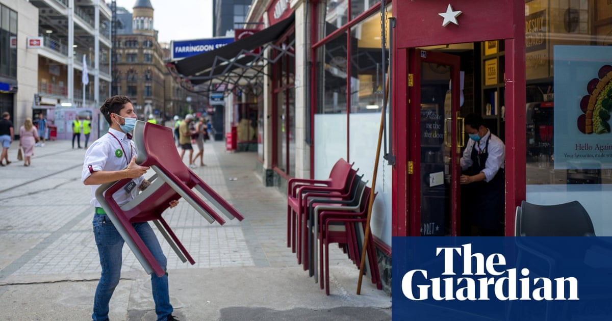 Survey suggests UK workers are beginning to return to city centres
