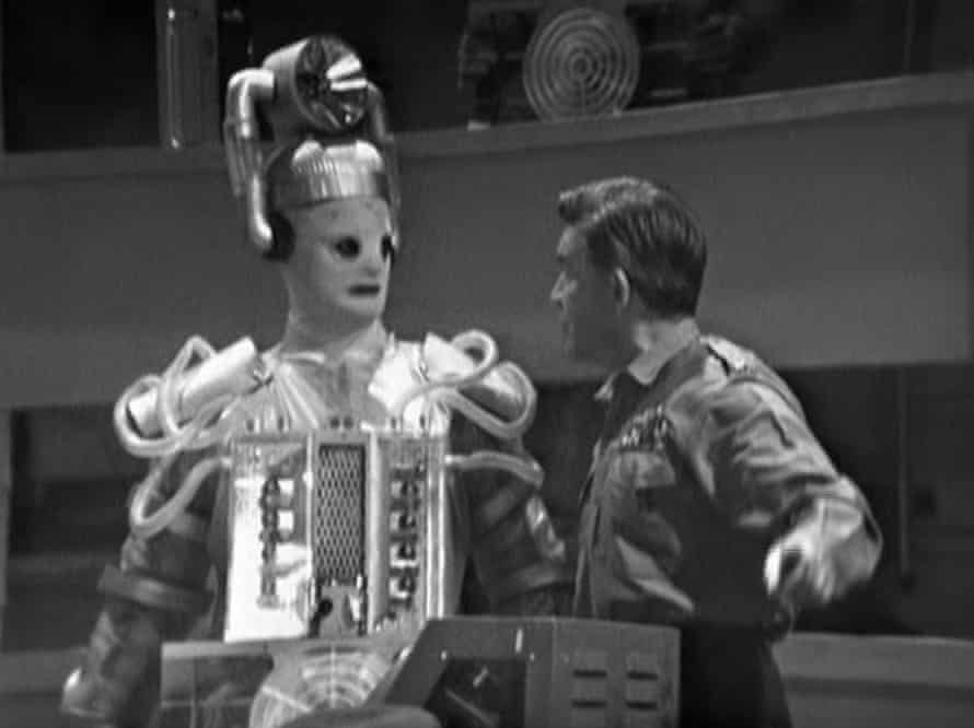 A Cyberman and General Cutler (played by Robert Beatty) in 'The Tenth Planet'