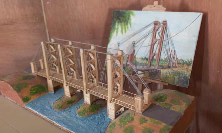 Model of Deir ez-Zor suspension bridge.