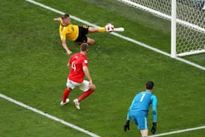... but his effort is cleared off the line by Toby Alderweireld.