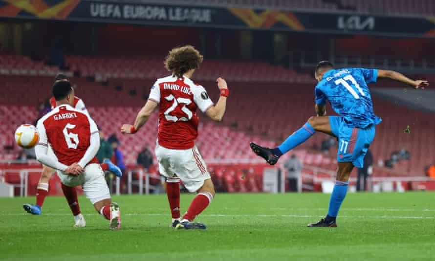 Youssef El-Arabi wins the second leg for Olympiakos with his second-half strike, but Arsenal's first-leg advantage proved too steep to overcome.