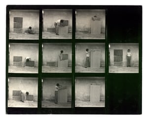 Contact sheet from The Method of Drawing, 10 of 120 shots taken by Sung Neung-kyung in 1976