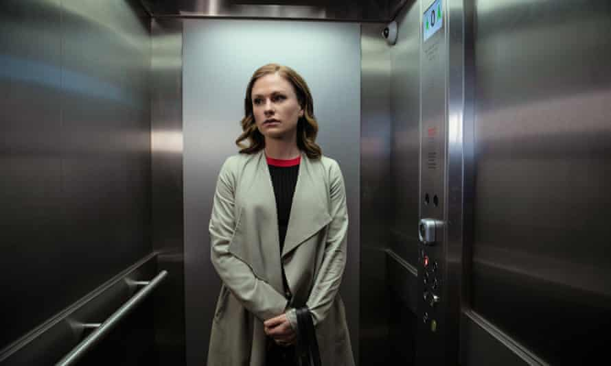 Paquin as Robyn in Flack.