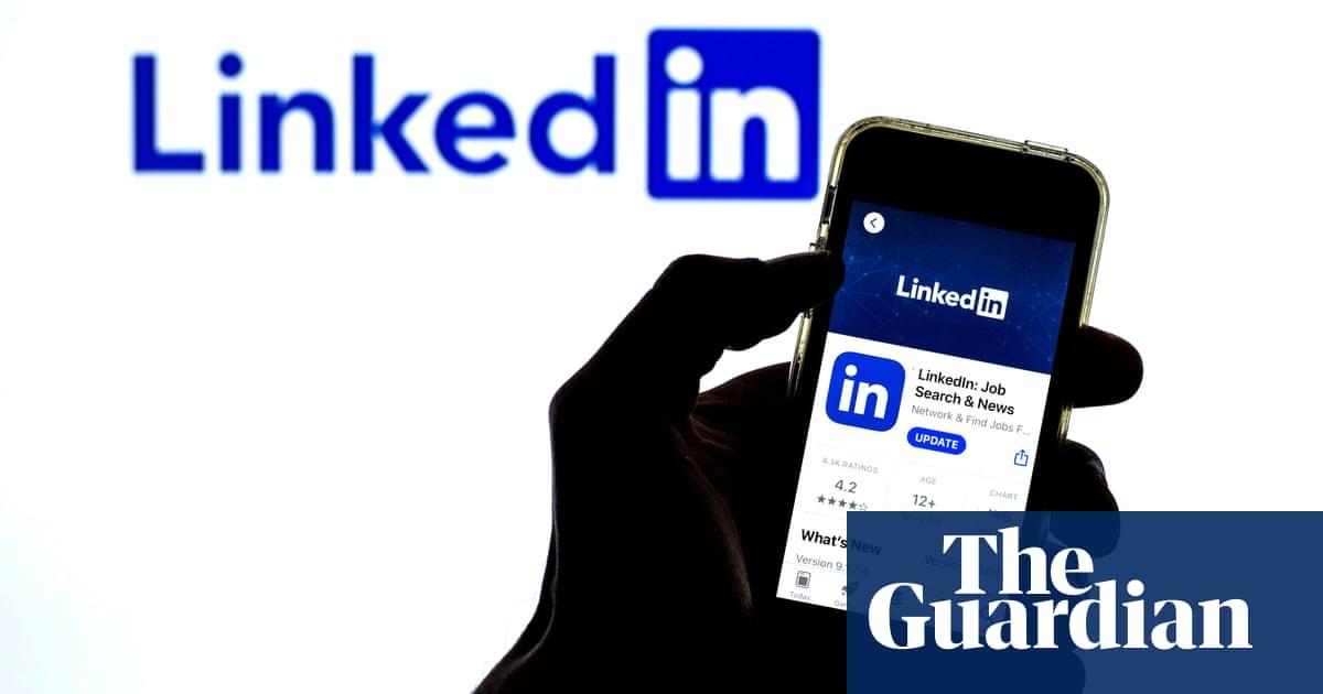 Microsoft to shut LinkedIn in China amid Beijing tech clampdown