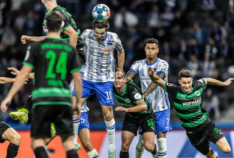 Jurgen Ekkelenkamp scores Hertha's first goal.