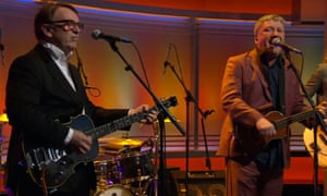 Squeeze perform their song From the Cradle to the Grave on the Andrew Marr show.