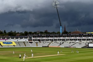 A general view of play during the Specsavers County Championship Division One match between Warwickshire and Somerset at Edgbaston.