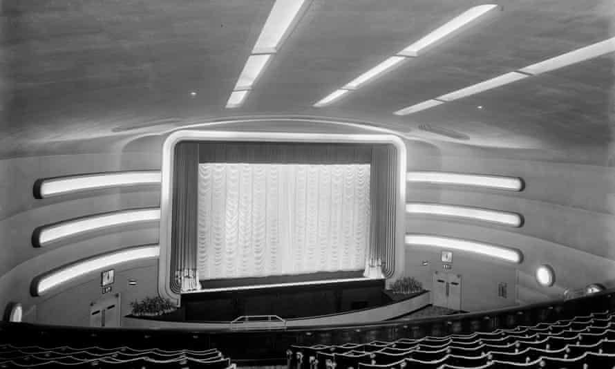 Auditorium of the Surbiton Odeon, Claremont Road, circa 1934. Designed by Joseph Hill.