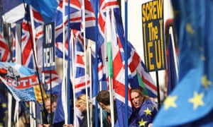 Pro and anti-Brexit campaigners outside the House of Parliament