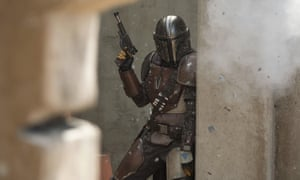 Still of a bounty hunter character from The Mandalorian,