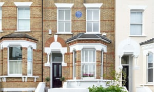 Photo of Angela Carter's blue plaque on her home in Clapham, London, at 107, The Chase
