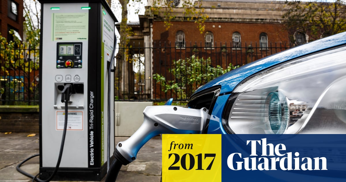 Electric cars and cheap solar 'could halt fossil fuel growth by 2020
