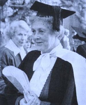 Dr Ann Shorten.