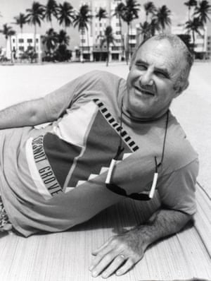 Clive James in the BBC TV series Postcard from Miami, 1990.