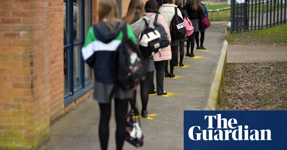 Tory group demands rethink on recovery plan for English schools