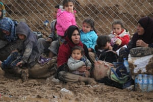 Displaced Iraqis from Mosul arrive at the Hamam al-Alil camp last week