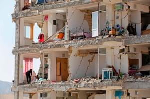 Sarpol-e Zahab, Iran: Stricken buildings after a 7.3-magnitude earthquake
