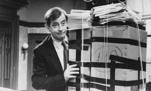 Derek Fowlds in an episode of Yes Minister broadcast in 1981.