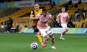 Wolverhampton Wanderers' Daniel Podence (left) fouls Sheffield United's Rhian Brewster.