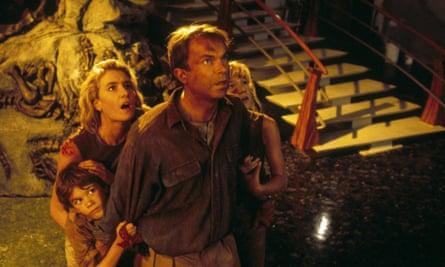 JOSEPH MAZZELLO, LAURA DERN, SAM NEILL & ARIANA RICHARDS in Jurassic Park