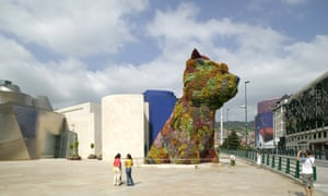 Puppy outside the Guggenheim Museum, Bilbao, Spain, 2006.<br>