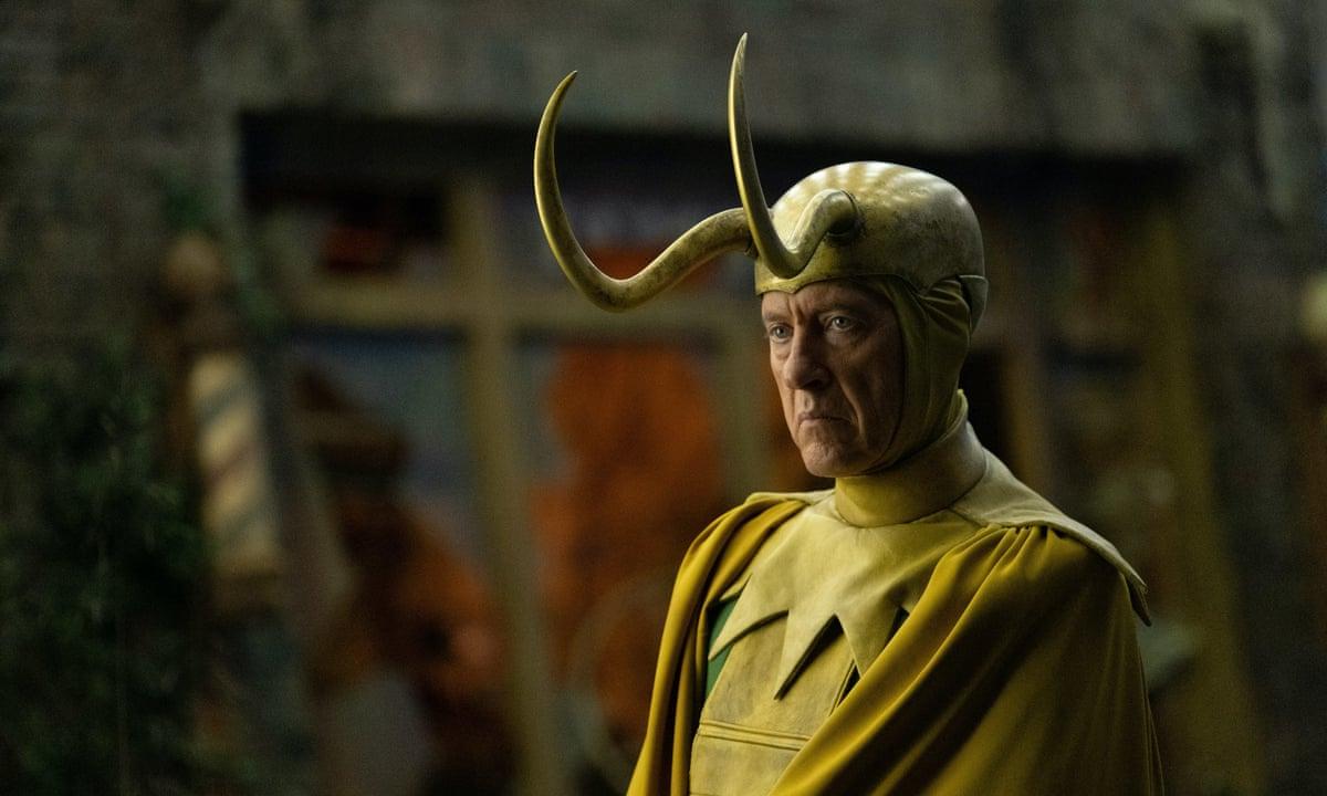 """O """"old loki"""" de richard e. Grant foi um dos grandes personagens do episódio - e até da série -, e com um final digno. Glorioso propósito!"""