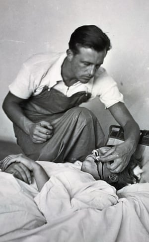 Gerda Taro being treated by Janos Kiszely, a volunteer doctor from Hungary.