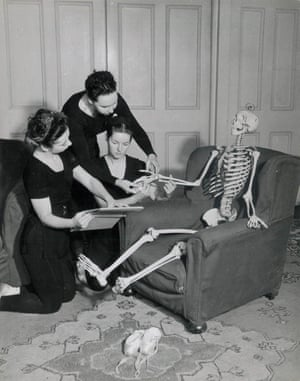 RAD Teachers' training course students studying subjects such as anatomy and physiology, 1949