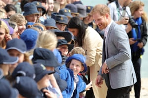 Prince Harry and Meghan Duchess of Sussex tour of Australia - 18 Oct 2018Mandatory Credit: Photo by Matt Baron/REX/Shutterstock (9936539dm) Meghan Duchess of Sussex and Prince Harry with Albert Park Primary School students at South Melbourne Beach Prince Harry and Meghan Duchess of Sussex tour of Australia - 18 Oct 2018
