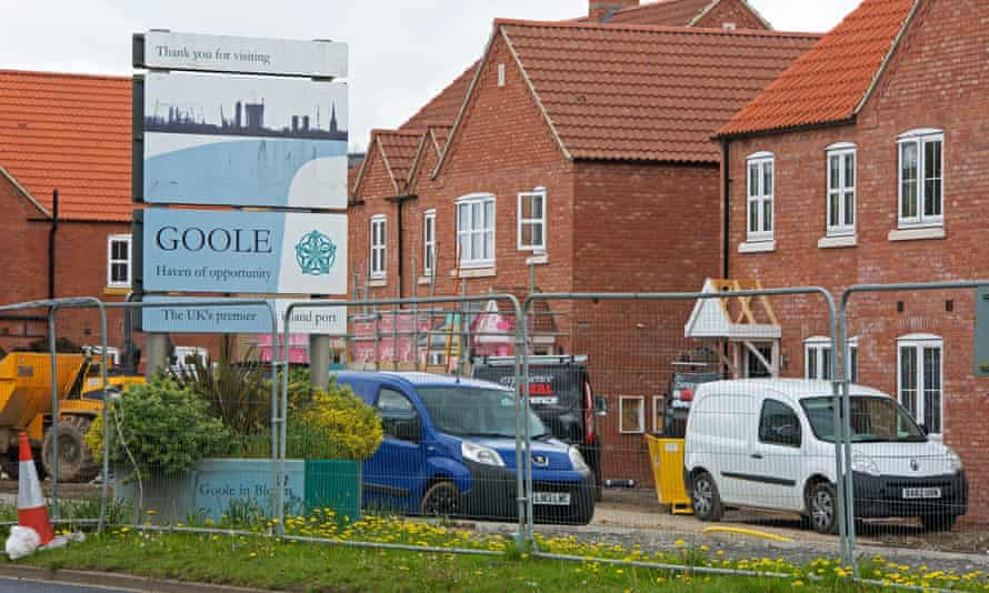 The unexploded bomb was found on the Beal Homes development on Rawcliffe Road in Goole.