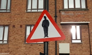 Contentious 'beware of Jews' road sign