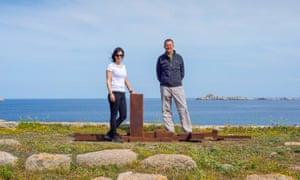 Director of NEON Elina Kountouri and Antony Gormley at his work Spread, 2010