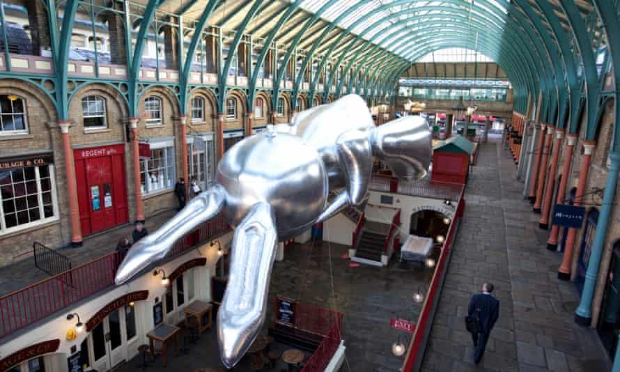 Jeff Koons' giant rabbit balloon