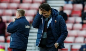 Chris Coleman reacts during Sunderland's defeat by Brentford.
