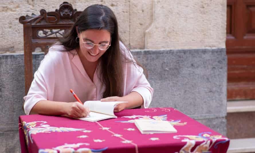 Poet Begoña M Rueda.