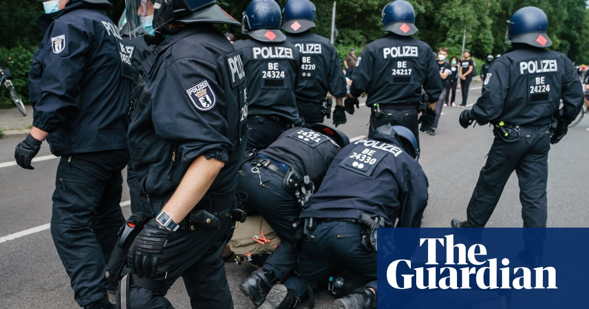 Hundreds arrested in Berlin protests against Covid restrictions