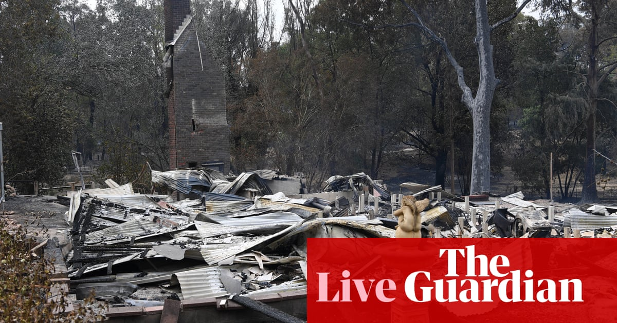 5468 - NSW and Victoria fires live: three more deaths confirmed in Australia bushfires and hundreds of homes destroyed – latest updates | Australia news