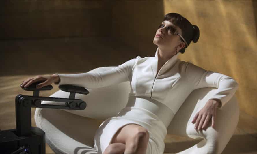 جیغ های برقی ... Blade Runner 2049's Luv.
