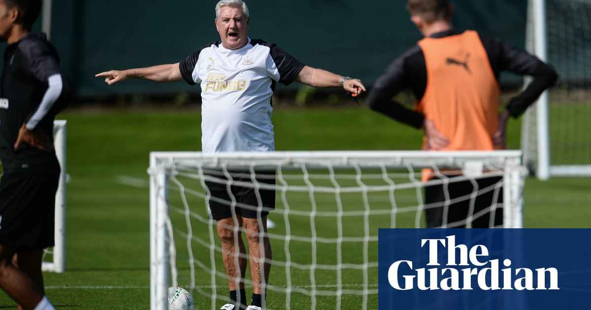 Steve Bruce urges Newcastle to carry league momentum into cup campaign