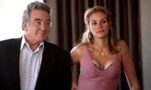 Albert Finney and Julia Roberts in Erin Brockovich, 2000