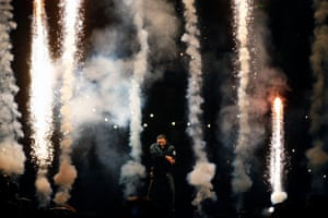 Fireworks at Drake's Boy Meets World show.