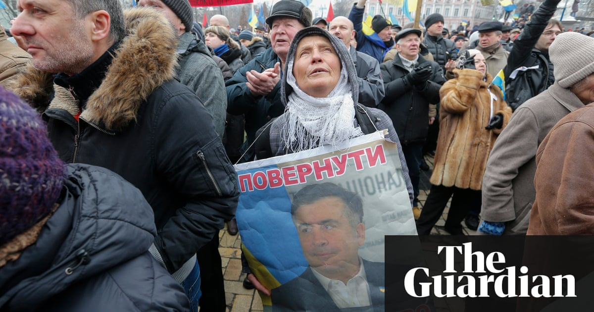 Thousands march in Kiev calling for Ukraine's president to quit