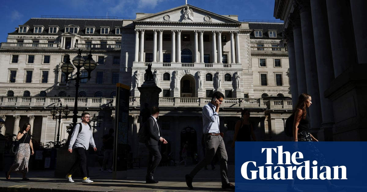 Bank of England's Saunders: inflation could force interest rate rise next year