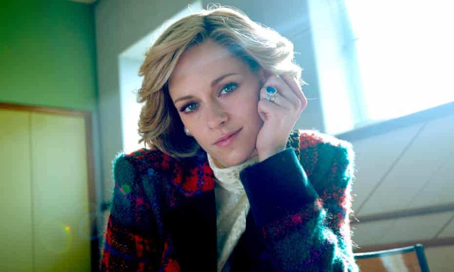 Kristen Stewart in Spencer.