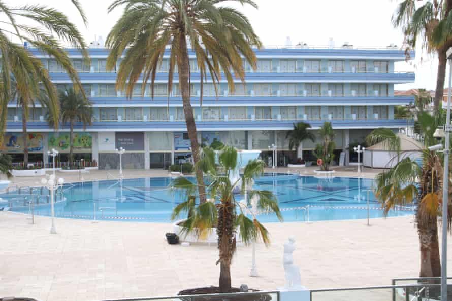 Hotel cerrado en Canarias.