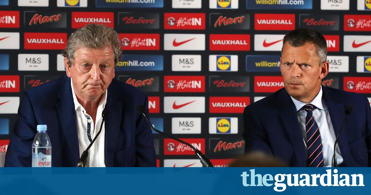 french farce illustrates england s failure to move with